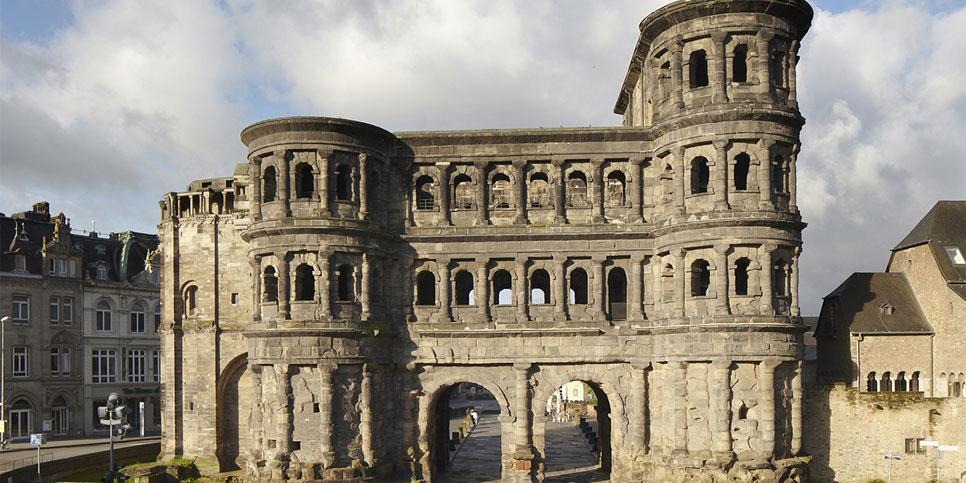 Kết quả hình ảnh cho ảnh đẹp Cổng thành Đen Porta Nigra