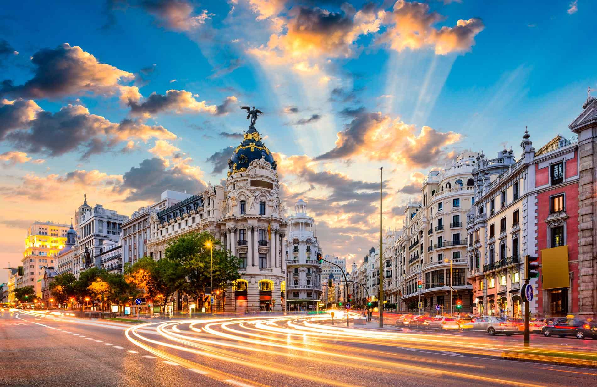 LẠC LỐI TẠI THỦ ĐÔ HÀO HOA MADRID