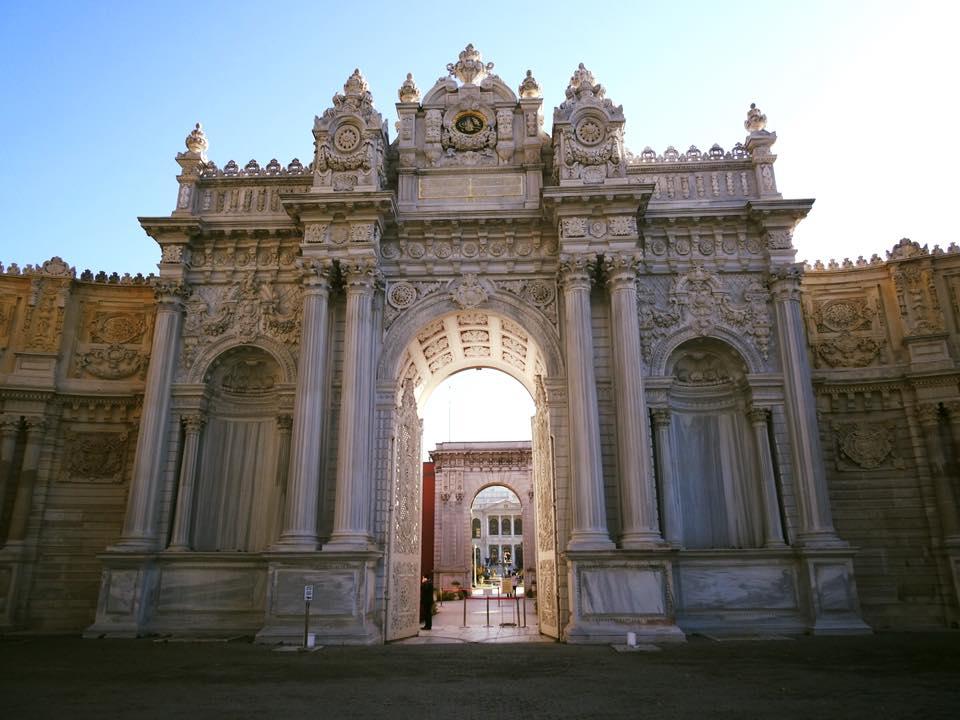 Cung điện Dolmabahce - cung điện lớn nhất Thổ Nhĩ Kỳ
